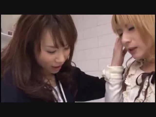 佐藤ひろみ 宮坂レイア 女装子のパイパンチンコをフェラゴックンする痴女お姉さん